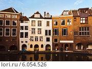 Купить «Голландские дома на берегу канала», фото № 6054526, снято 17 ноября 2018 г. (c) Артём Сапегин / Фотобанк Лори
