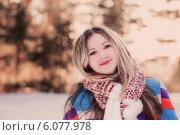 Купить «Young woman winter portrait», фото № 6077978, снято 1 февраля 2014 г. (c) Майя Крученкова / Фотобанк Лори