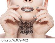 Купить «Красивая девушка с ярким макияжем и ногтями», фото № 6079402, снято 29 июня 2014 г. (c) Вера Франц / Фотобанк Лори