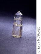 Купить «Кристалл горного хрусталя», фото № 6096426, снято 25 октября 2011 г. (c) ElenArt / Фотобанк Лори