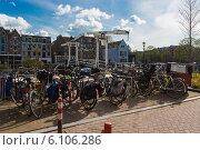 Купить «Любимый вид транспорта голландцев», фото № 6106286, снято 27 апреля 2013 г. (c) Скудова Елена / Фотобанк Лори