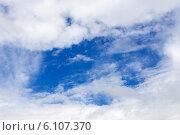 Купить «Облака на небе», эксклюзивное фото № 6107370, снято 13 июня 2014 г. (c) Сергей Лаврентьев / Фотобанк Лори