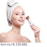 Купить «Красивая девушка с полотенцем на голове держит косметическую кисть», фото № 6125682, снято 26 июня 2010 г. (c) Куликов Константин / Фотобанк Лори