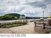 Купить «Набережная в городе Биробиджане», фото № 6139370, снято 11 июля 2014 г. (c) Ольга Разуваева / Фотобанк Лори