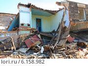Купить «Старый дом разрушен», эксклюзивное фото № 6158982, снято 23 июля 2013 г. (c) Анатолий Матвейчук / Фотобанк Лори