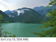 Абхазия, озеро Рица. Стоковое фото, фотограф Боярова Светлана / Фотобанк Лори