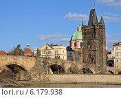 Купить «Вид на Карлов мост и реку Влтава в Праге, Чехия», фото № 6179938, снято 23 февраля 2014 г. (c) Bohumil Prazsky / Фотобанк Лори