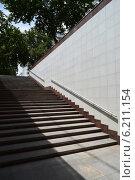 Купить «Подземный переход, лестница», фото № 6211154, снято 21 июля 2014 г. (c) Рамиль Усманов / Фотобанк Лори