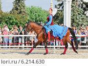 Купить «Участница конного шоу на ВДНХ», эксклюзивное фото № 6214630, снято 1 июля 2014 г. (c) Алёшина Оксана / Фотобанк Лори
