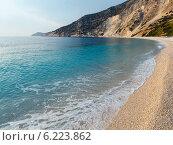 Купить «Myrtos Beach (Greece,  Kefalonia, Ionian Sea)», фото № 6223862, снято 12 июня 2014 г. (c) Юрий Брыкайло / Фотобанк Лори