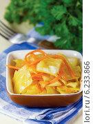 Капуста острая с морковью по-корейски. Стоковое фото, фотограф Александр Курлович / Фотобанк Лори