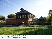 Деревенский дом (2012 год). Стоковое фото, фотограф Илья Хаскин / Фотобанк Лори
