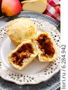 Купить «Muffins with apple. Summer party dessert», фото № 6284942, снято 29 февраля 2020 г. (c) BE&W Photo / Фотобанк Лори