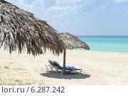 Купить «Шезлонги на пляже», фото № 6287242, снято 10 июня 2014 г. (c) Александр Овчинников / Фотобанк Лори
