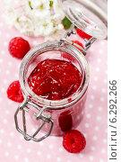 Купить «Raspberry jam», фото № 6292266, снято 20 октября 2018 г. (c) BE&W Photo / Фотобанк Лори