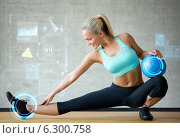 Купить «smiling woman with exercise ball in gym», фото № 6300758, снято 7 июня 2014 г. (c) Syda Productions / Фотобанк Лори