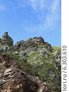 Купить «Причудливая горная вершина на фоне голубого неба», фото № 6303610, снято 11 августа 2014 г. (c) Емельянов Валерий / Фотобанк Лори