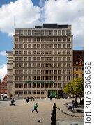 Wroclaw, Poland, local office of the Bank Zachodni WBK on marketplace (2012 год). Редакционное фото, агентство Caro Photoagency / Фотобанк Лори