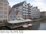 Купить «Городской пейзаж. Дома на набережной», эксклюзивное фото № 6315722, снято 23 августа 2014 г. (c) Svet / Фотобанк Лори