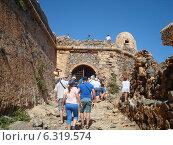 Вход в крепость пирата Грамвуса (2013 год). Редакционное фото, фотограф Ольга Ножнина / Фотобанк Лори