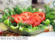 Овощной салат на праздничном столе. Стоковое фото, фотограф Манапова Екатерина / Фотобанк Лори