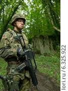 Купить «Illkirch- Grafenstaden , France , training for a more sophisticated shooting mechanic at Jaeger Battalion 291», фото № 6325922, снято 11 сентября 2013 г. (c) Caro Photoagency / Фотобанк Лори