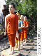 Будда и его ученики, Таиланд (2013 год). Редакционное фото, фотограф Павлова Дарья / Фотобанк Лори