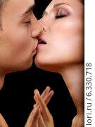 Купить «Kiss», фото № 6330718, снято 6 июля 2014 г. (c) Serg Zastavkin / Фотобанк Лори