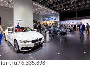 Купить «Стенд BMW. МMAC 2014», эксклюзивное фото № 6335898, снято 29 августа 2014 г. (c) Сергей Лаврентьев / Фотобанк Лори
