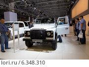 Купить «Land Rover Defender. Московский международный автомобильный салон 2014», эксклюзивное фото № 6348310, снято 29 августа 2014 г. (c) Сергей Лаврентьев / Фотобанк Лори