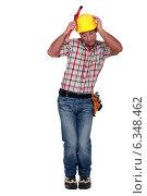 Купить «Scared construction worker.», фото № 6348462, снято 10 мая 2011 г. (c) Phovoir Images / Фотобанк Лори