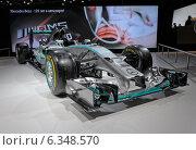 Купить «Mercedes AMG Petronas F1 W05, московский международный автомобильный салон  2014», фото № 6348570, снято 30 августа 2014 г. (c) Алексей Голованов / Фотобанк Лори