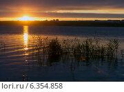Купить «Рассвет», фото № 6354858, снято 3 сентября 2014 г. (c) Зудин Виталий Владимирович / Фотобанк Лори
