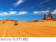 Road in Sahara Desert, Tadrart, Algeria. Стоковое фото, агентство Ingram Publishing / Фотобанк Лори