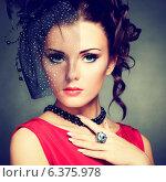 Купить «Retro portrait of a beautiful woman. Vintage style. Fashion photo», фото № 6375978, снято 19 ноября 2019 г. (c) Ingram Publishing / Фотобанк Лори
