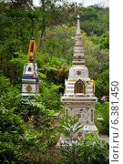 Kanchanaburi, Thailand, cemetery of the temple Wat Tham Mongkon Thong (2011 год). Стоковое фото, агентство Caro Photoagency / Фотобанк Лори