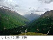 Горные вершины в районе горы Эльбрус, Северный Кавказ, Россия. Стоковое фото, фотограф Андрей Кочкин / Фотобанк Лори