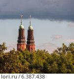 Купить «Low angle view of a church tower, Hogalid Church, Stockholm, Sweden», фото № 6387438, снято 7 декабря 2019 г. (c) Ingram Publishing / Фотобанк Лори
