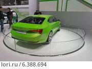 Купить «Skoda Vision C. Международный автосалон в Москве», фото № 6388694, снято 3 сентября 2014 г. (c) Павел Лиховицкий / Фотобанк Лори