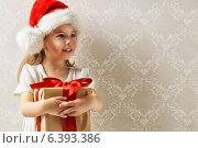 Купить «Christmas gift», фото № 6393386, снято 7 сентября 2014 г. (c) Константин Юганов / Фотобанк Лори