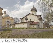 Купить «Церковь Старое Вознесение (Псков)», фото № 6396362, снято 5 мая 2013 г. (c) Валентина Троль / Фотобанк Лори