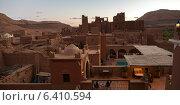 High angle view of terrace of a hotel, Kasbah Ellouze, Ouarzazate, Morocco (2012 год). Стоковое фото, агентство Ingram Publishing / Фотобанк Лори