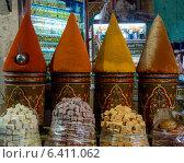 Spices at market, Medina, Marrakesh, Morocco. Стоковое фото, агентство Ingram Publishing / Фотобанк Лори