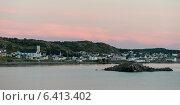 Купить «Town along the coast, Twillingate, South Twillingate Island, Newfoundland And Labrador, Canada», фото № 6413402, снято 24 августа 2013 г. (c) Ingram Publishing / Фотобанк Лори