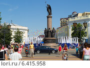 Купить «Брест во время праздника города. Памятник к тысячелетию Бреста.», фото № 6415958, снято 26 июля 2014 г. (c) Андрей Рыбачук / Фотобанк Лори