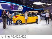 Купить «Hyundai Veloster. Московский международный автомобильный салон 2014», эксклюзивное фото № 6425426, снято 29 августа 2014 г. (c) Сергей Лаврентьев / Фотобанк Лори