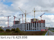 Купить «Начало строительства многоэтажного жилого кирпичного дома», эксклюзивное фото № 6429898, снято 22 сентября 2014 г. (c) Svet / Фотобанк Лори