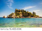 Купить «Маленький остров Изола-Белла», фото № 6433034, снято 7 апреля 2014 г. (c) Анна Лурье / Фотобанк Лори