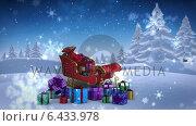 Купить «Santa sled full of gifts in snowy landscape», видеоролик № 6433978, снято 15 сентября 2019 г. (c) Wavebreak Media / Фотобанк Лори