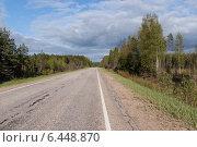 Двухполосная автомобильная дорога (2009 год). Стоковое фото, фотограф Александр Антонников / Фотобанк Лори